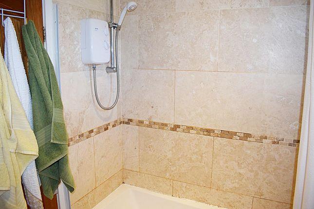 Bathroom of Weybridge Road, Ancoats, Manchester M4