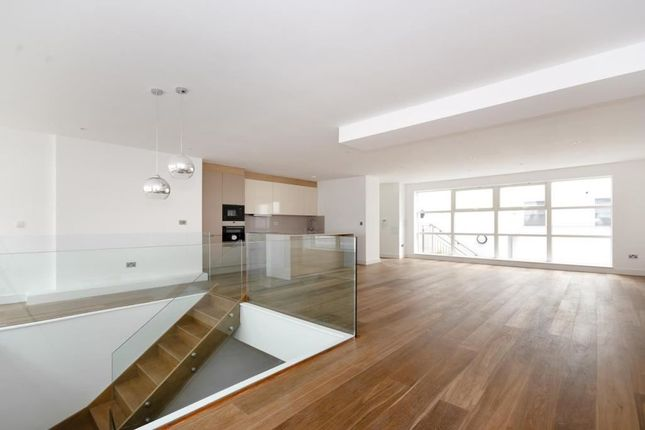 Thumbnail Flat to rent in The Wallpaper Apartments, Offord Road, London