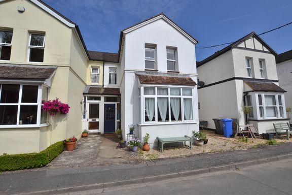 2 bed terraced house for sale in Lyndford Terrace, Fleet
