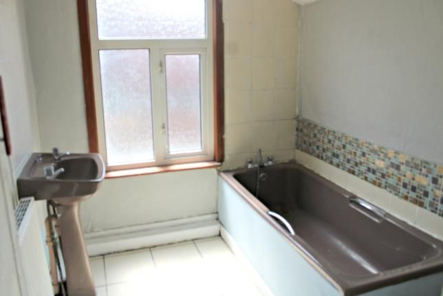 Bathroom of Thornton Street, Middlesbrough TS3