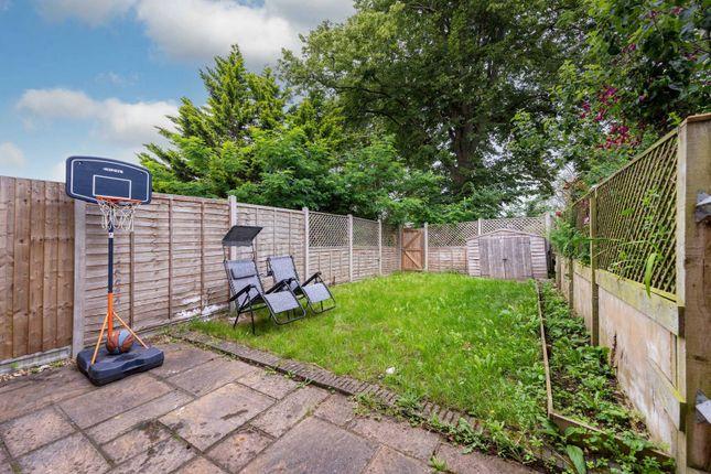 Thumbnail Property to rent in Paul Gardens, Croydon