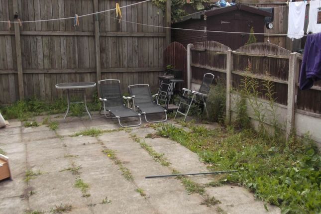 Thumbnail Flat to rent in Station Road, Wombwell, Barnsley