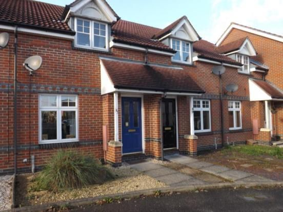 2 bed terraced house to rent in Carraways, Witham