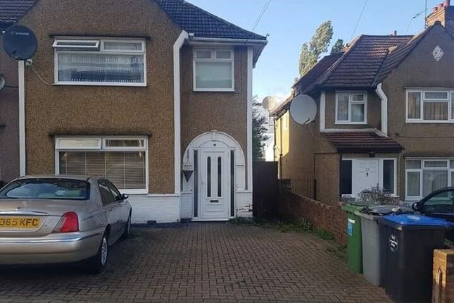 3 bed end terrace house to rent in Chipstead Gardens, London NW2