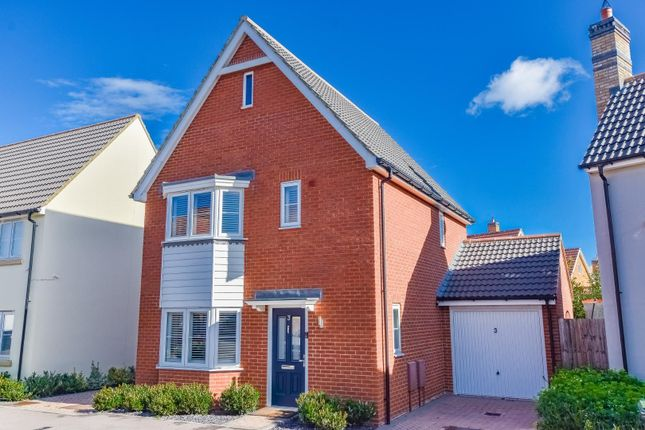 Thumbnail Detached house for sale in Buckthorn Road, Dunmow
