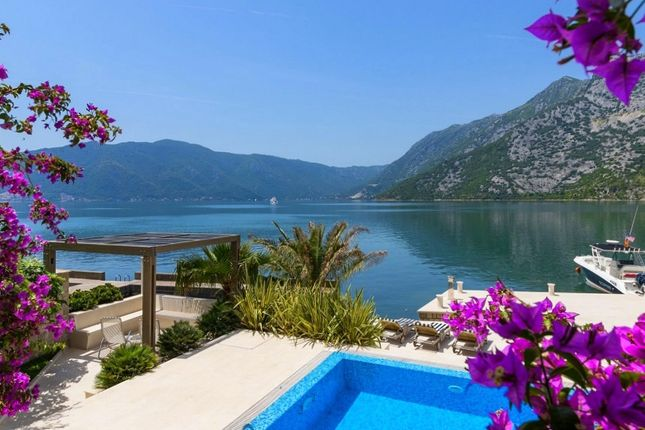 Thumbnail Villa for sale in Risan, Montenegro