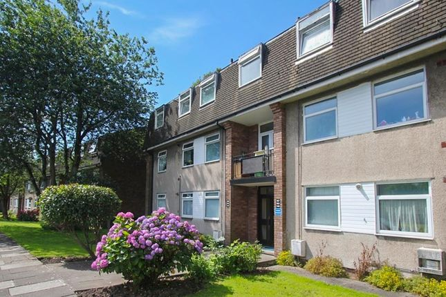2 bed flat to rent in Fairwood Road, Cardiff