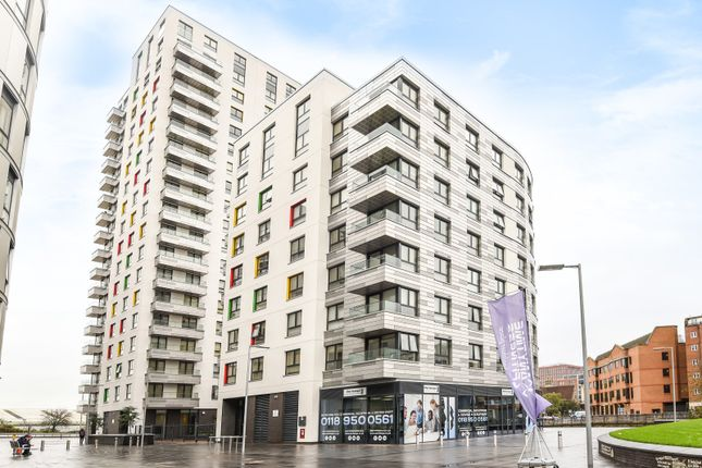 Thumbnail Flat for sale in Hewitt, 40 Alfred Street, Reading