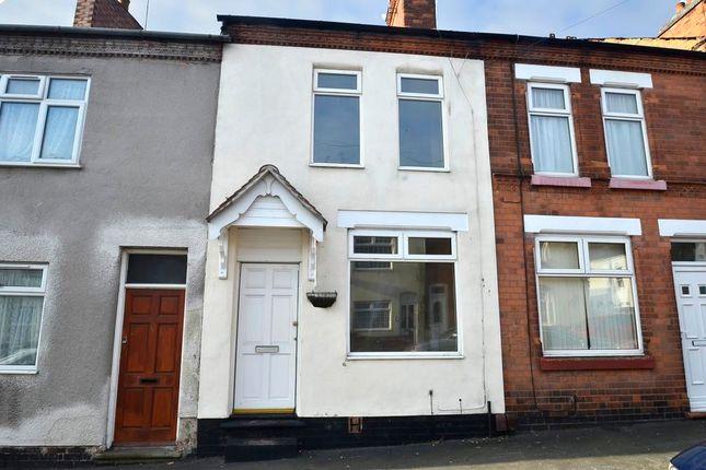 3 bed terraced house to rent in Queens Road, Hinckley
