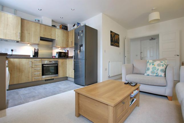Thumbnail Flat for sale in Overton Road, Worthing