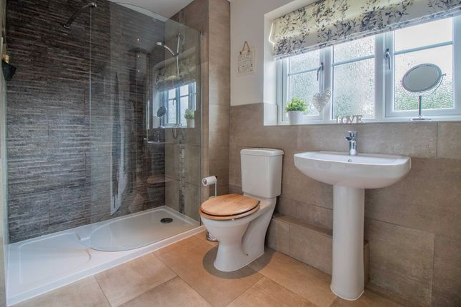 Ensuite To Bed 1 of Tamworth Road, Long Eaton, Nottingham NG10