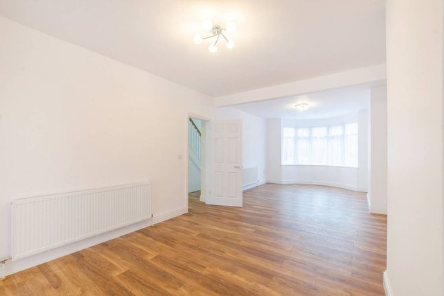 Thumbnail Property for sale in Le May Avenue, Grove Park, London