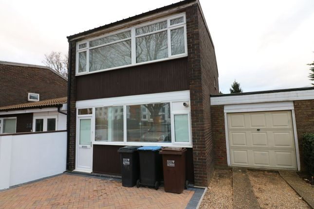 Thumbnail Property to rent in Bishops Rise, Hatfield