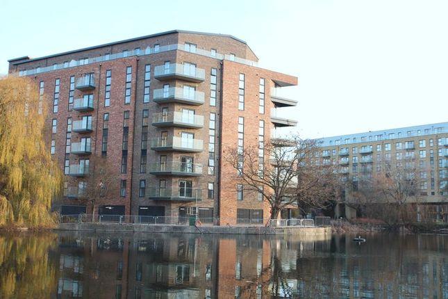 Thumbnail Flat to rent in William Mundy Way, Dartford