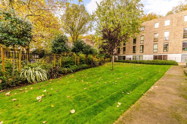 Thumbnail Flat to rent in Westking Place, Bloomsbury