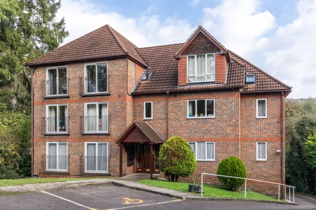 1 bed flat for sale in Valley Road, Kenley CR8