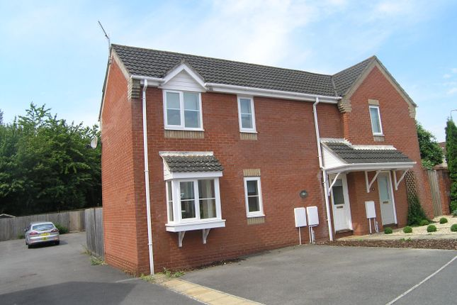 Thumbnail Property to rent in Saffron Meadow, Calne