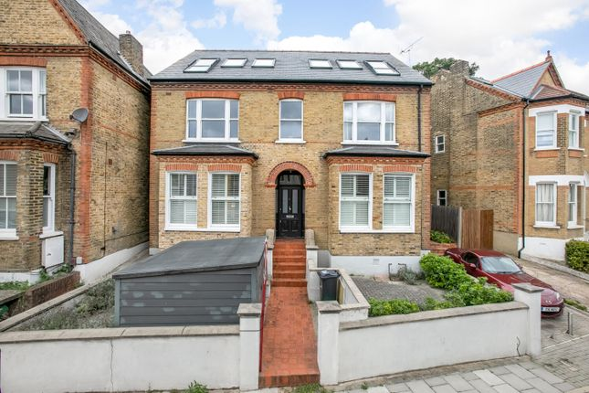 3 bed flat for sale in Casewick Road, West Norwood, London SE27