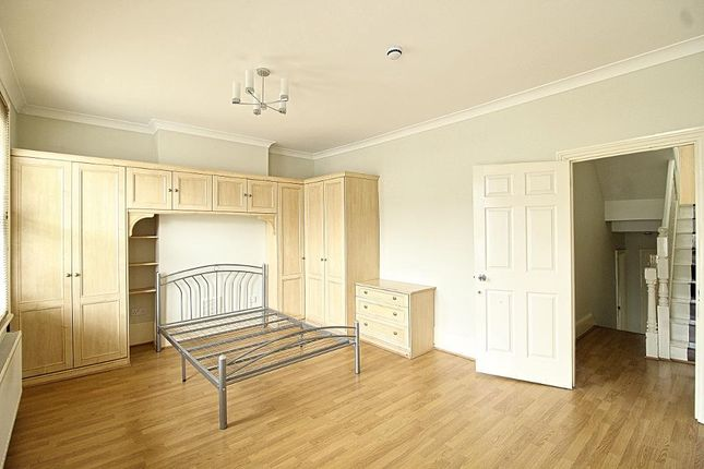 Thumbnail Terraced house to rent in Eastfield Road, Walthamstow