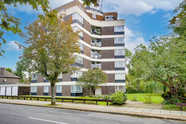 Studio for sale in Chessing Court, Fortis Green N2