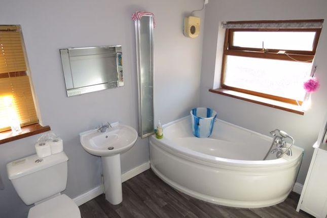 Family Bathroom of Studland Road, Hall Green, Birmingham B28