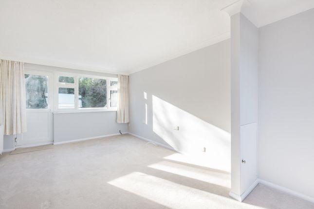 Thumbnail Flat to rent in Perrymount Road, Haywards Heath