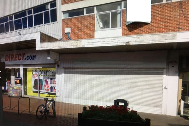Retail premises to let in Harefield Road, Nuneaton