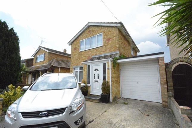 Thumbnail Detached house to rent in Munsterburg Road, Canvey Island, Essex