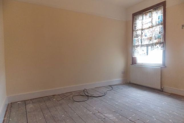 Thumbnail Semi-detached house to rent in Saxon Road, Southall