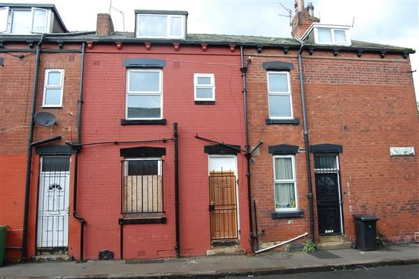 Thumbnail Terraced house for sale in Recreation Terrace, Leeds