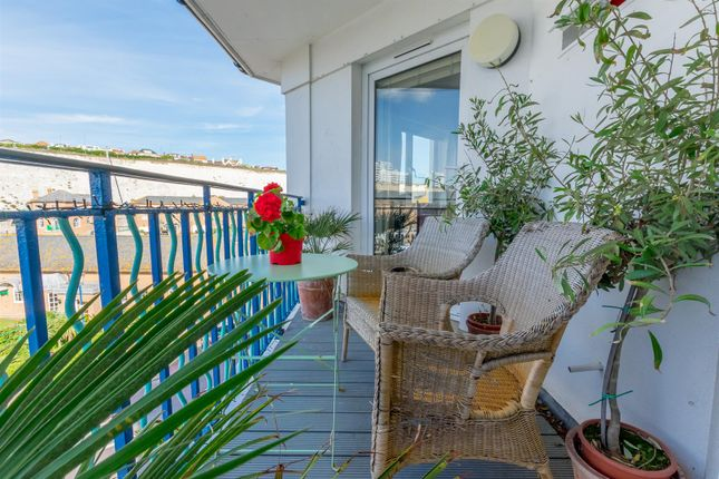2 bed flat for sale in Neptune Court, Brighton Marina Village