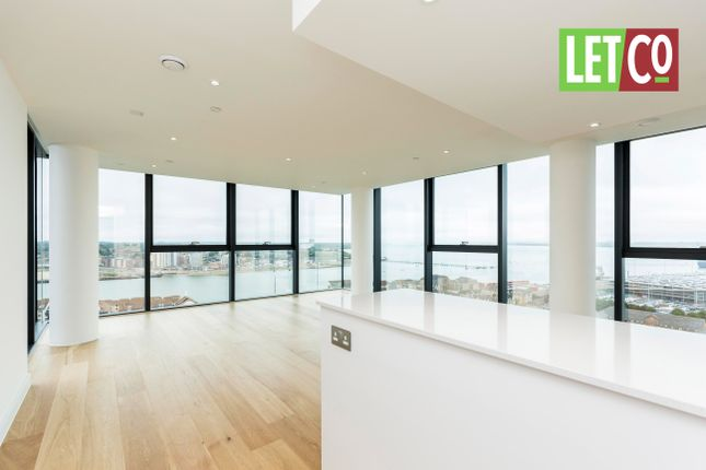 3 bedroom flat to rent in Ocean Way, Ocean Village, Southampton