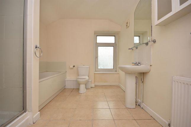 Bathroom of St. Helens Avenue, Swansea SA1