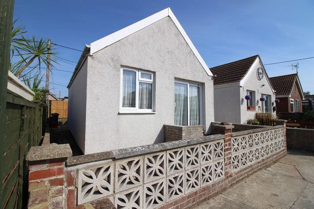 Thumbnail Bungalow to rent in Buick Avenue, Jaywick, Clacton-On-Sea