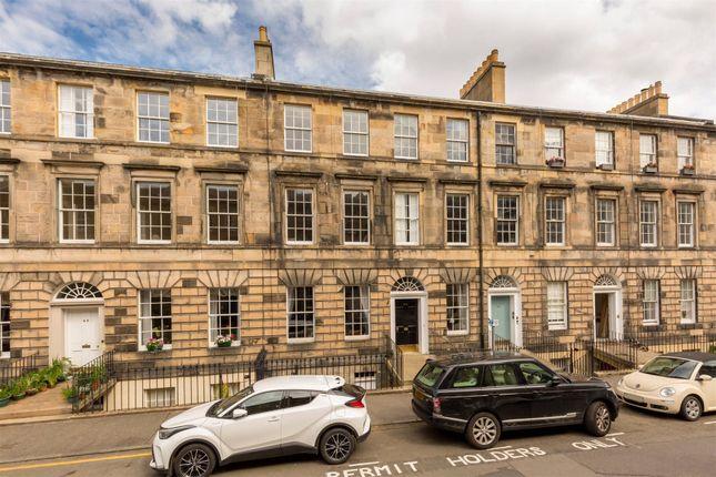Thumbnail Flat for sale in 44/4, Cumberland Street, New Town, Edinburgh