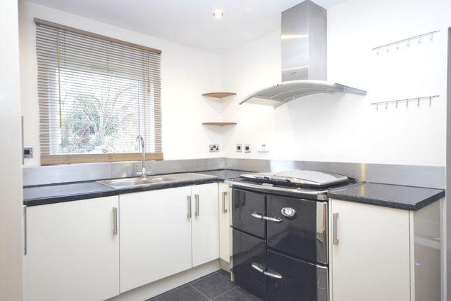 Thumbnail Flat to rent in Bucknalls Lane, Watford
