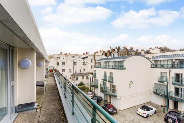 Golden Lane, Brighton BN1