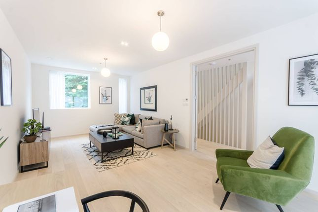 Thumbnail Property for sale in Clifford Terrace, Church Walk, Stoke Newington, London