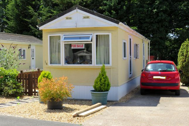 Mobile/park home for sale in Baddesley Road, North Baddesley, Southampton