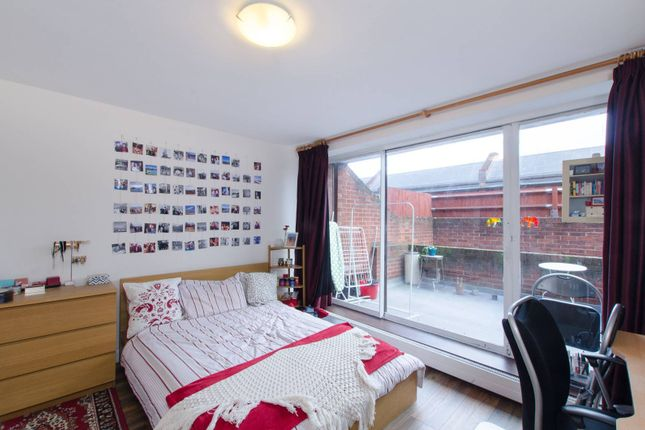 Thumbnail Flat to rent in Polygon Road, Somers Town, London