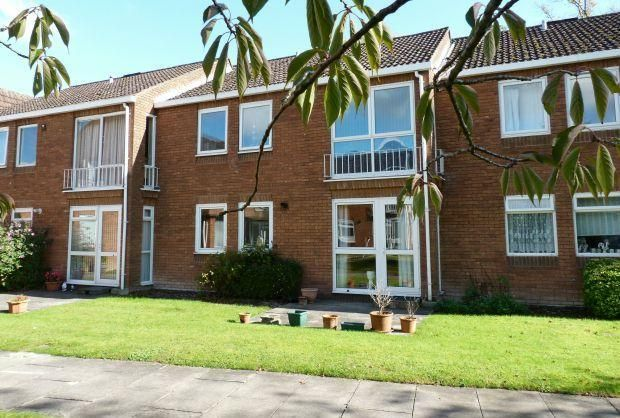 Thumbnail Flat to rent in The Beeches, Weyhill Road, Andover