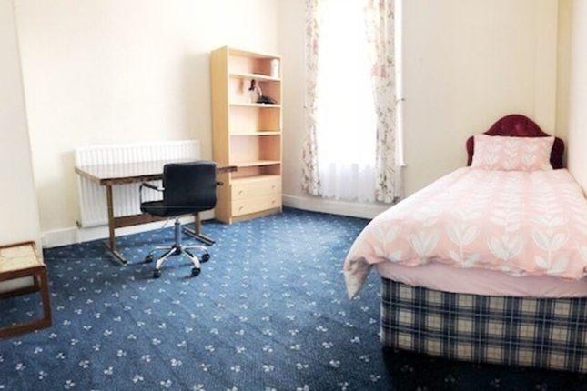 Room to rent in Hermitage Road, London N4
