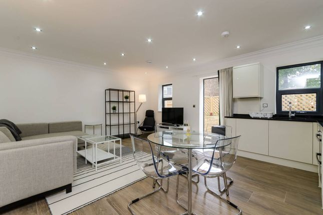 Thumbnail Flat to rent in Gunnersbury Avenue, Acton, London