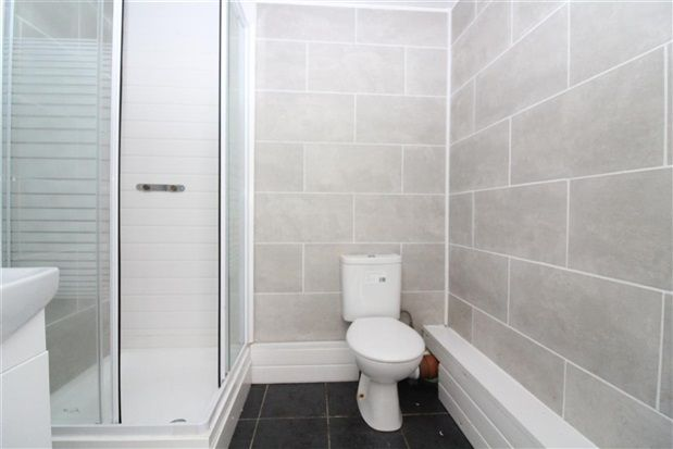 En Suite of Chain Lane, Staining, Blackpool FY3