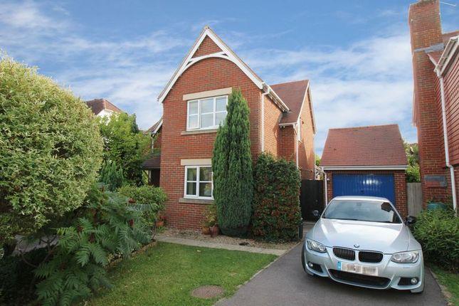 Thumbnail Detached house for sale in Cranham Avenue, Billingshurst