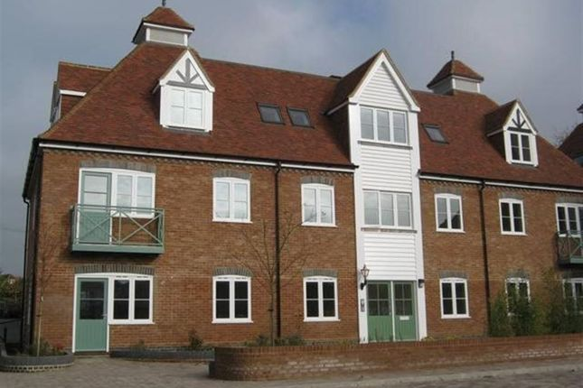 Thumbnail Flat to rent in Jubilee Apt, Tenterden, Kent
