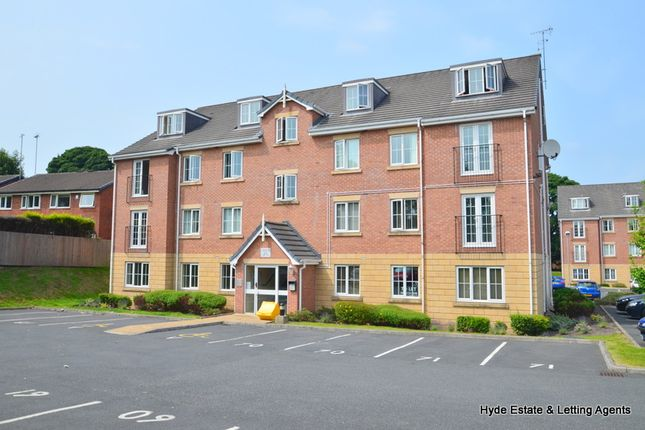 2 bed flat to rent in Canberra Way, Rochdale OL11