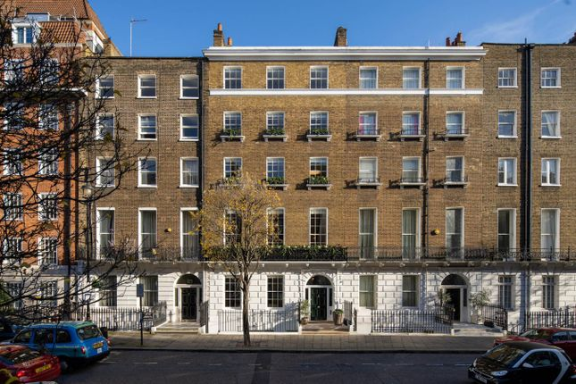 Flat to rent in Devonshire Place, Marylebone, London