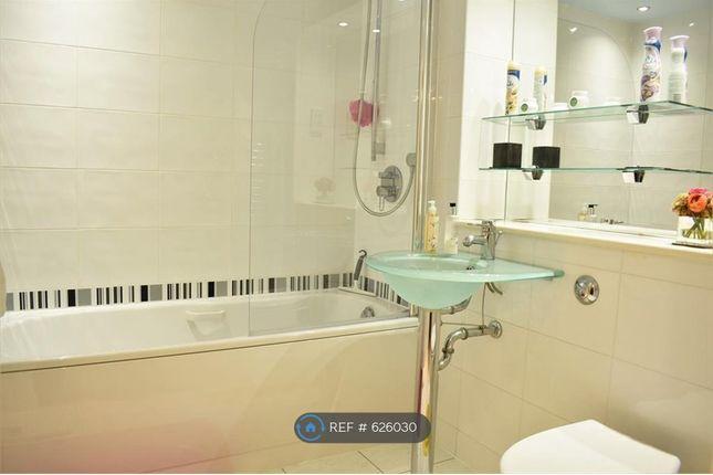 Bathroom of Whittles Croft, Manchester M1