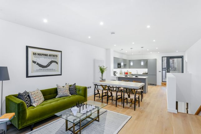 Thumbnail Duplex for sale in Red Lion Court, London